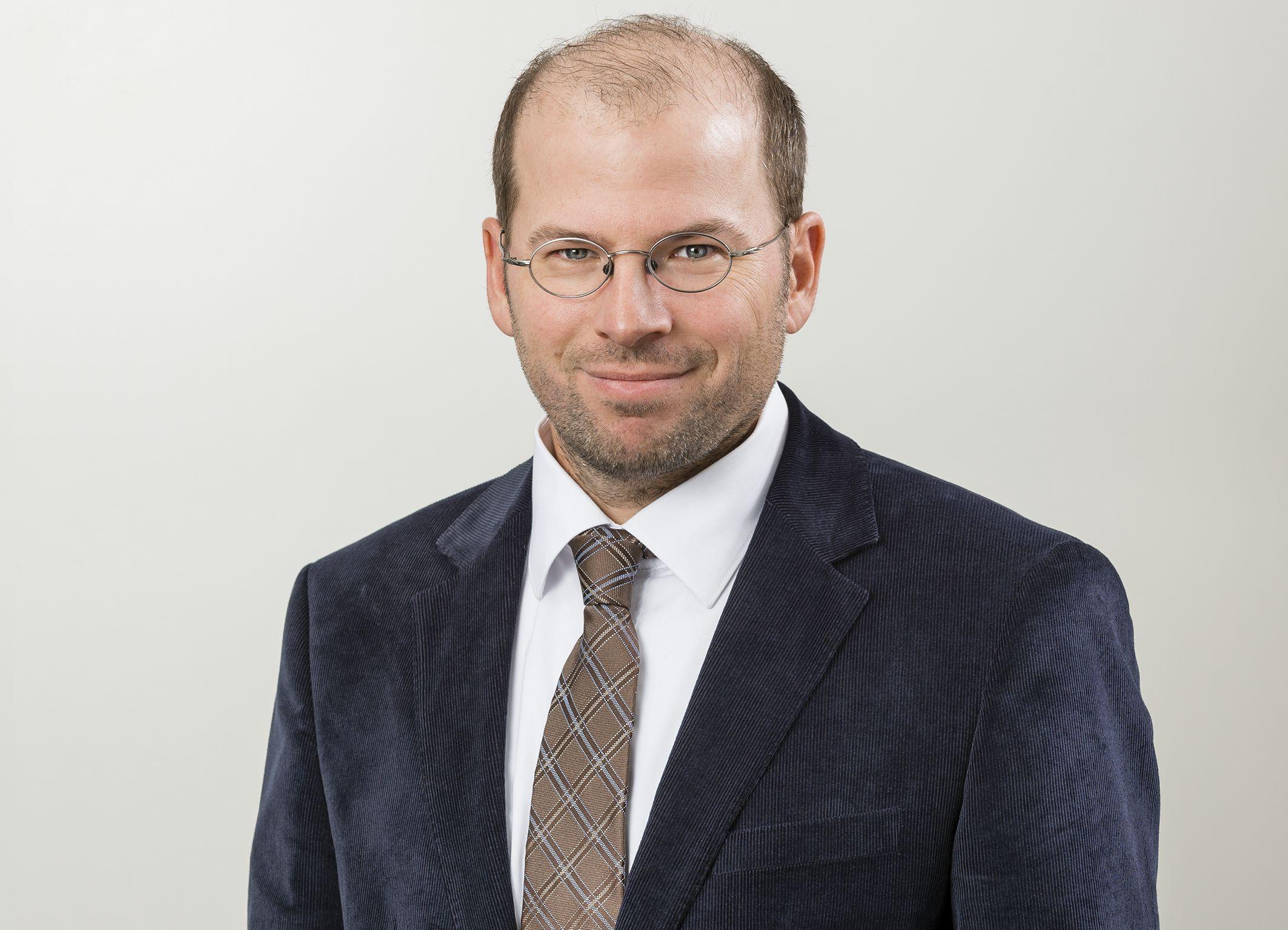 Dr. Sebastian Buss