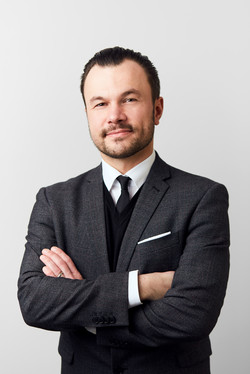 Dr. Carlo Piltz