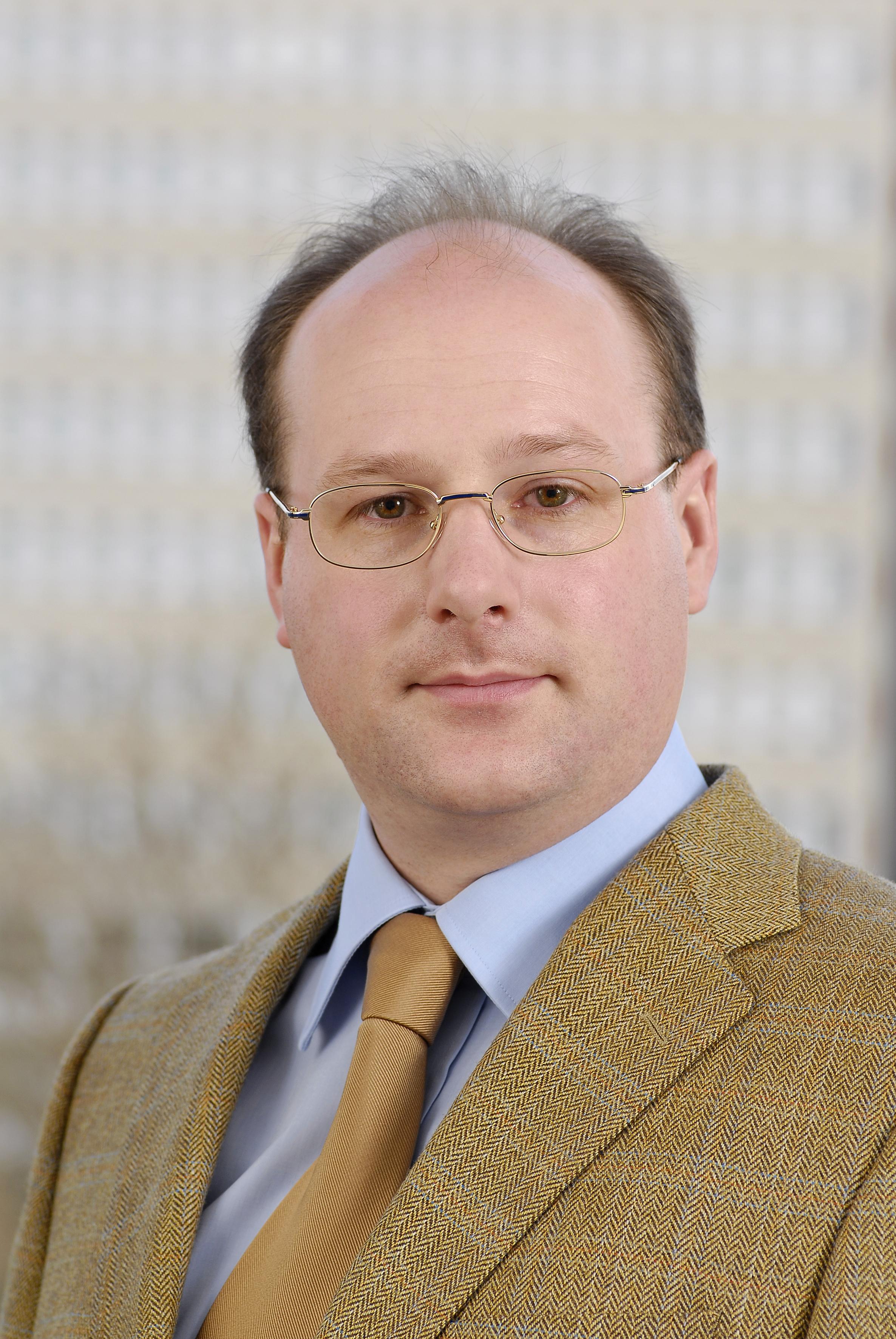 Dr. Niels Lepperhoff