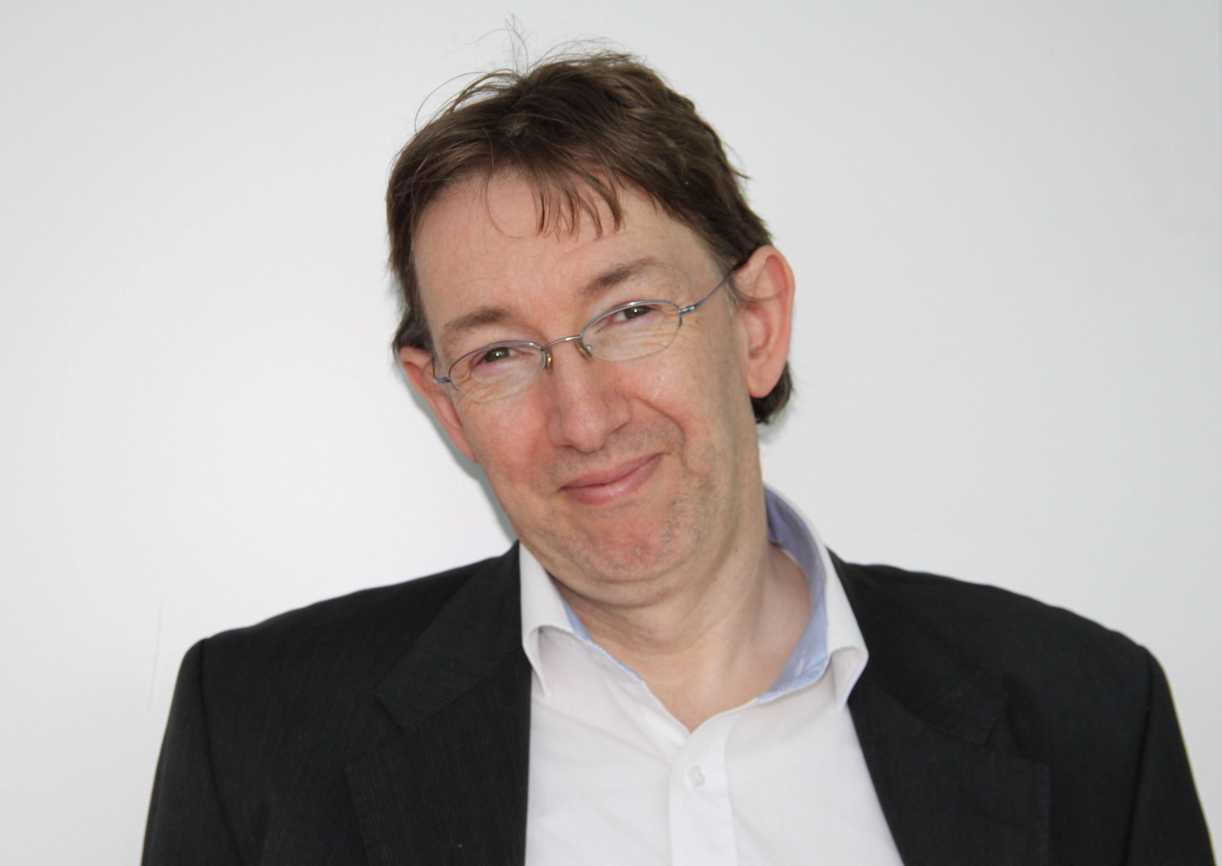Dr. Sebastian Broecker